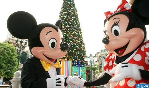 Le parc d'attraction Disneyland ferme ses portes à Shanghai en raison du nouveau Coronavirus
