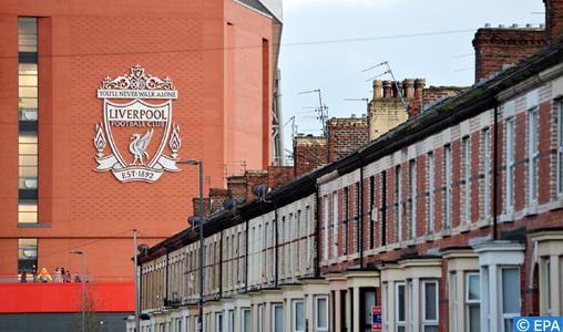 Coronavirus: Liverpool prête ses stadiers à des supermarchés