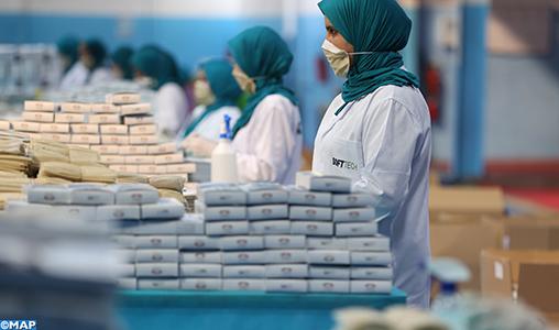 """Le Maroc a su développer """"une capacité impressionnante"""" dans la production rapide des masques"""