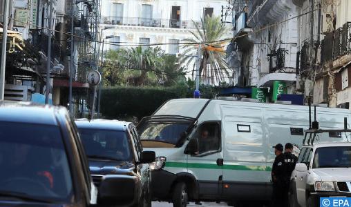 """Dix-huit mois de prison ferme pour un militant du """"Hirak"""" en Algérie"""