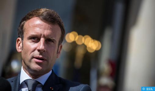 La protection des lieux de cultes et les écoles va être renforcée, annonce Emmanuel Macron