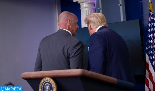 Trump brièvement évacué d'une conférence de presse après une fusillade près de la Maison Blanche