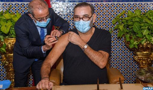 SM le Roi lance la campagne nationale de vaccination contre la Covid-19