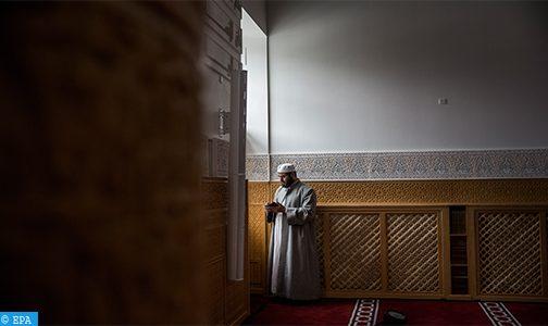 مسلمو لندن يحتفلون بالشهر الفضيل في ظل احترام القيود الاجتماعية