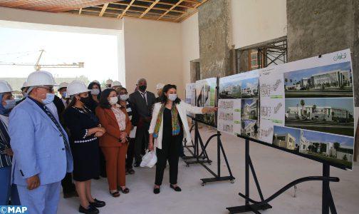 Mme Bouchareb visite le chantier du nouveau siège de l'ENA de Tétouan
